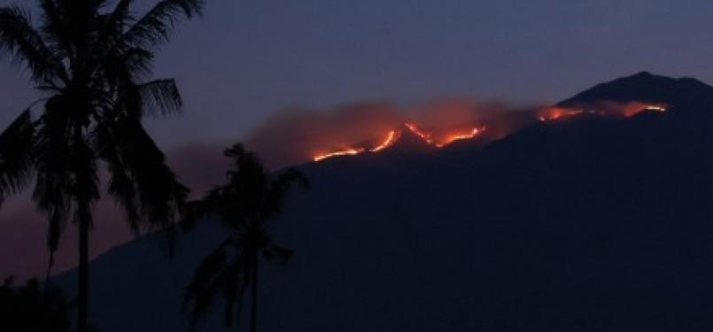Hutan di Kawasan Gunung Merbabu terbakar, Rabu (28/9).