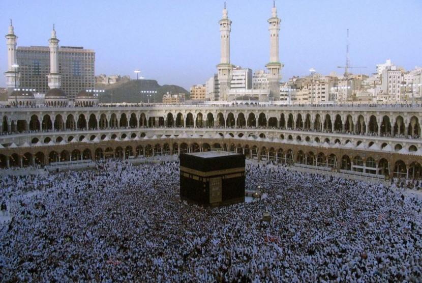 Ibadah haji merupakan salah satu momen untuk memperluas semangat persaudaraan Islam.