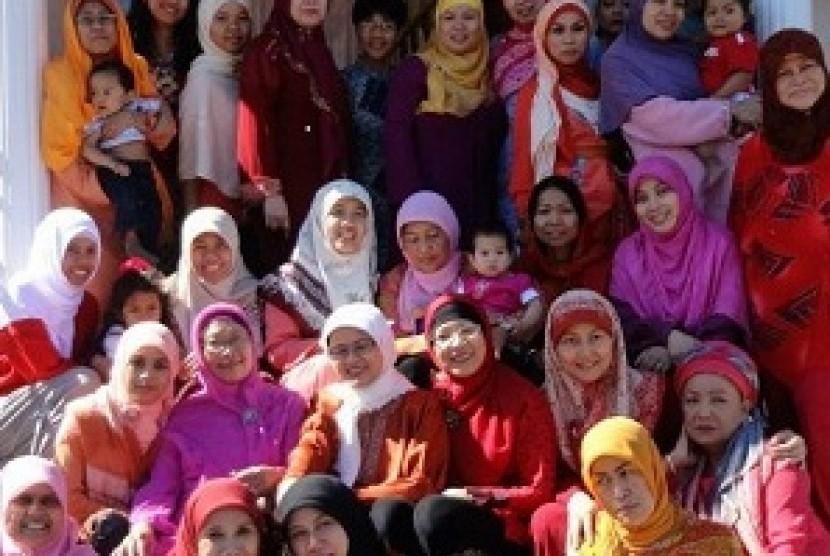 Ibu-ibu Pengajian Khairunissa Kanada