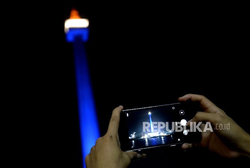 Ibu Kota Jakarta dengan ikon Monumen Nasional.