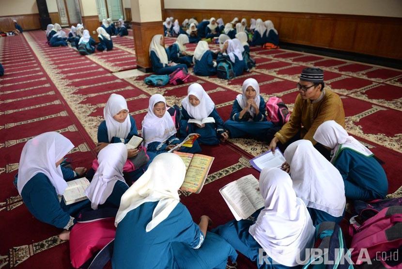 1.500 Masjid dan Mushala Kota Padang Gelar Pesantren Ramadhan Serentak