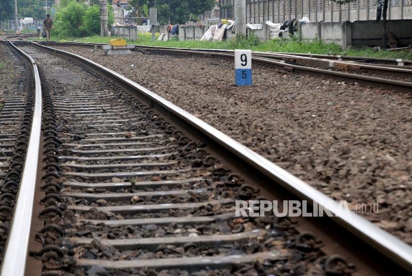 Ilustrasi rel kereta api.
