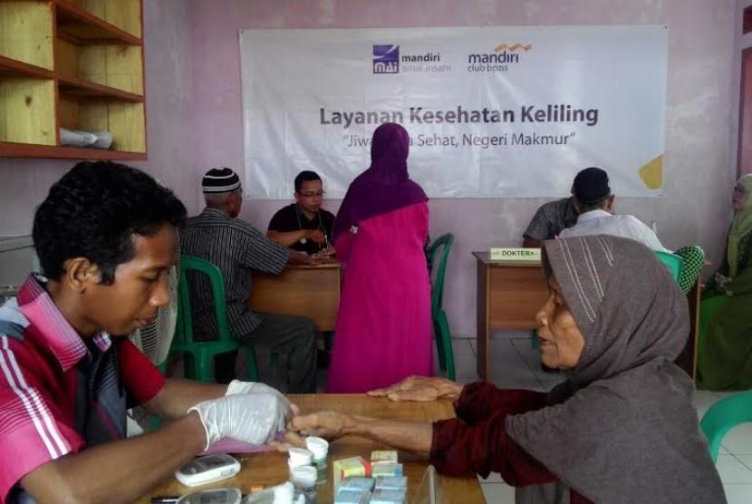 Masyarakat Pesisir Sukabumi Dapatkan Bantuan Layanan Kesehatan