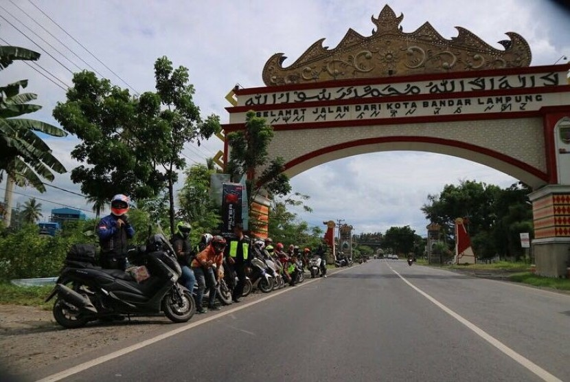 Indonesia NMAX Community gelar touring ke Kalianda