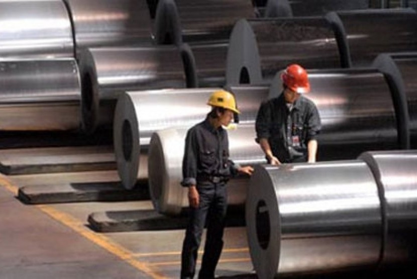 Industri Baja (ilustrasi)
