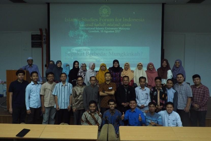 Islamic Studies Forum for Indonesia (ISFI) Malaysia menggelar diskusi soal persatuan umat Islam di Indonesia.
