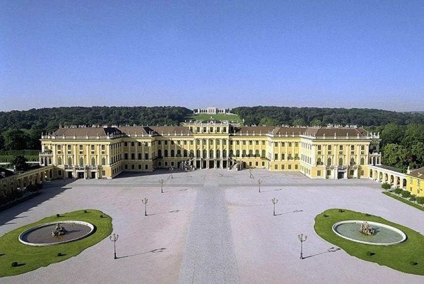 Istana Schonbrunn Vienna