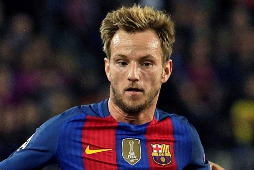 Rakitic tak Sabar Lihat Coutinho Merumput di Barcelona