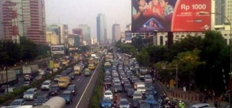 Jalanan MT Haryono Cawang ke arah Kuningan terpantau padat