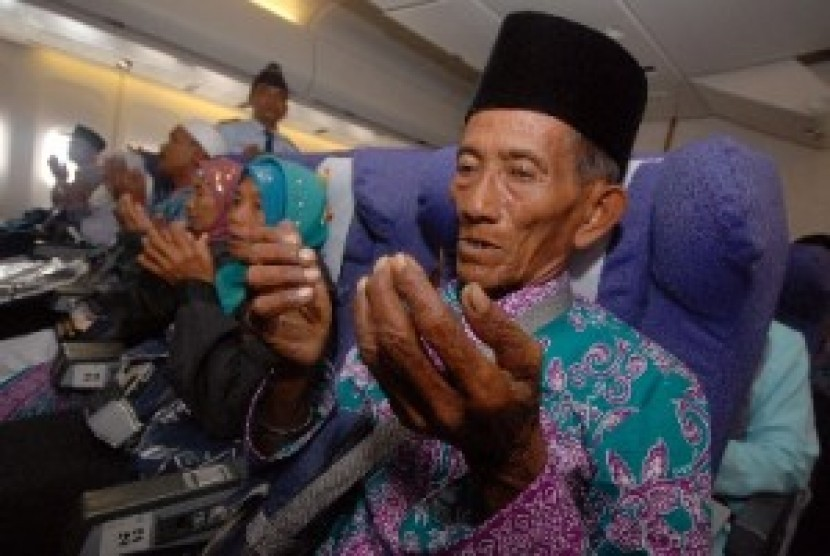 Jamaah haji lansia (ilustrasi). Foto: Antara/M Risyal Hidayat