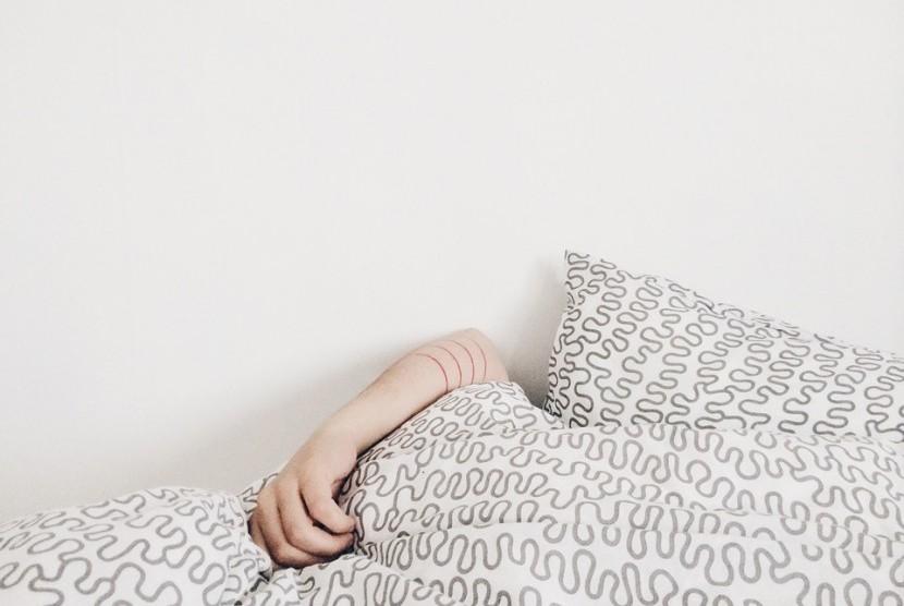 Jangan pandang sepele bila Anda rutin kurang tidur. Dampaknya bisa berbahaya bagi tubuh.
