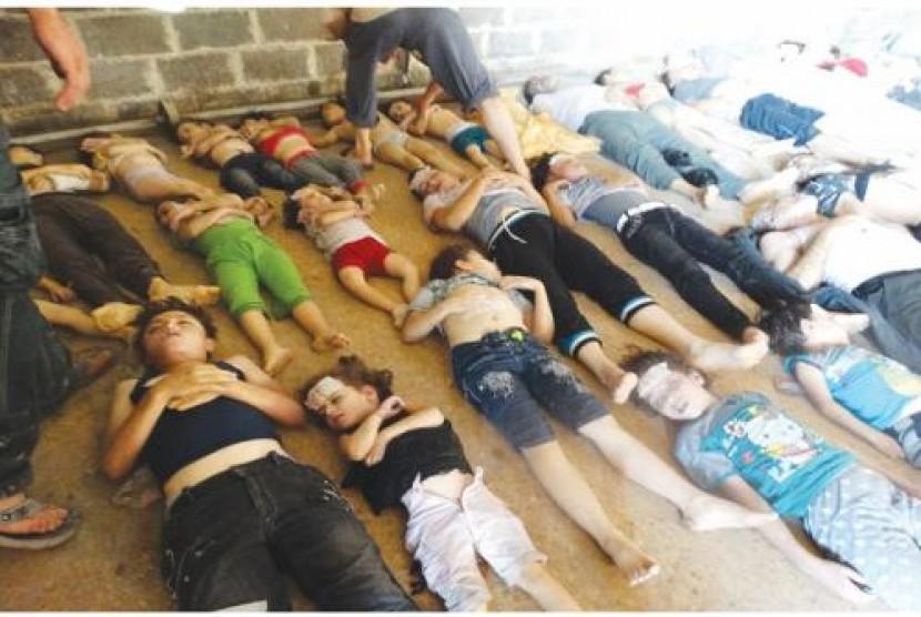 Jasad korban serangan senjata kimia di Ghouta, Suriah, Rabu (21/8).