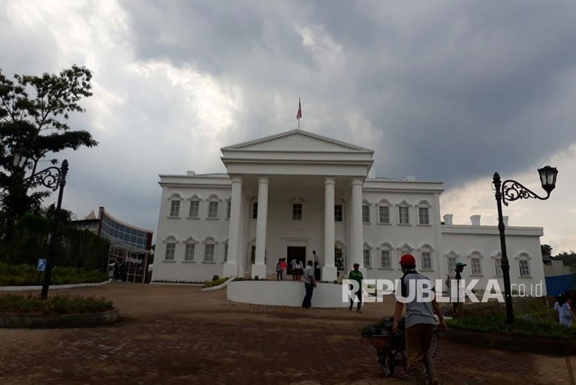 Ada Istana Negara dan Gedung Putih di Kota Batu