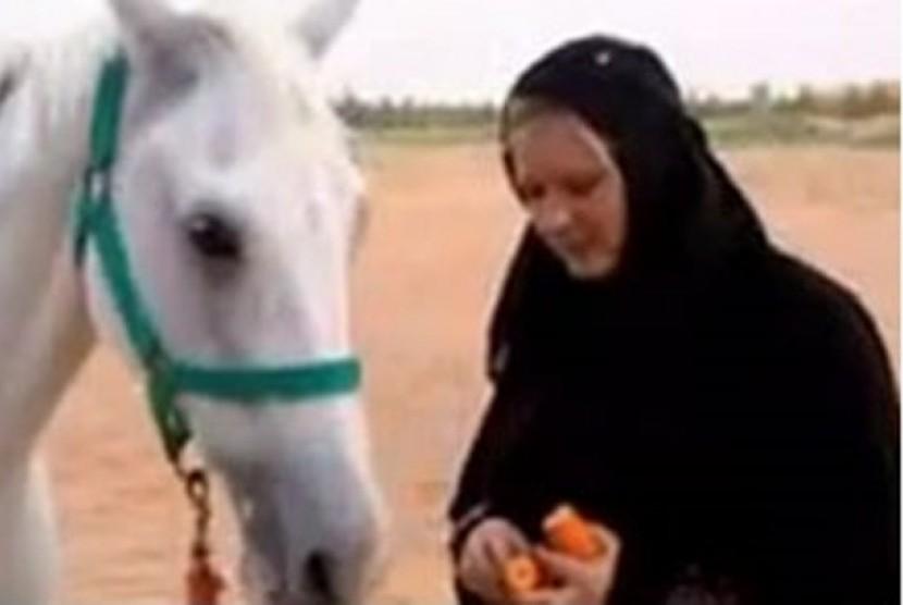 Jessica yang tak ragu lagi berikrar menjadi mualaf di Dubai.