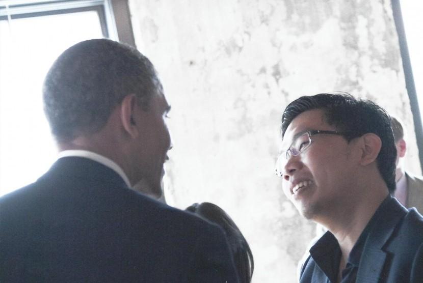 Johannes Marliem (kanan) saat bertemu dengan Barack Obama.