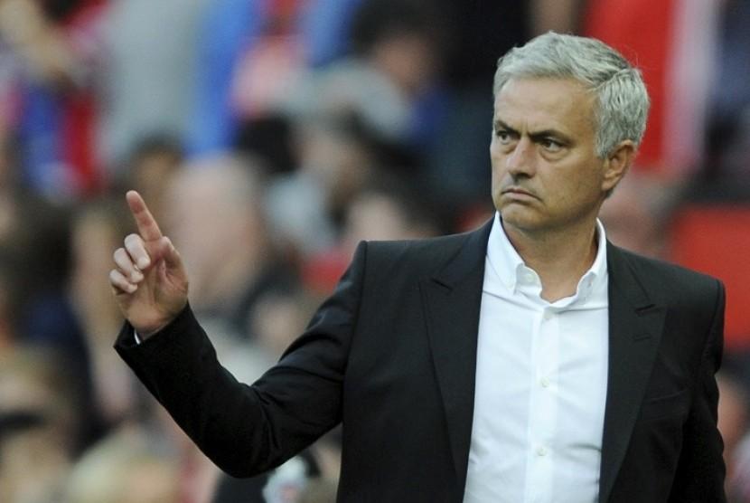 Mourinho Bicara Tentang Piala Liga Inggris