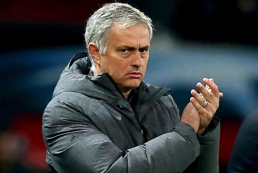 Mourinho Dinilai Butuh Waktu untuk Kembalikan Kejayaan MU