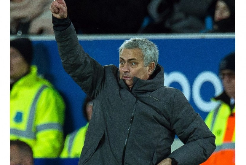 Mourinho Anggap MU Selayaknya Kalahkan Everton