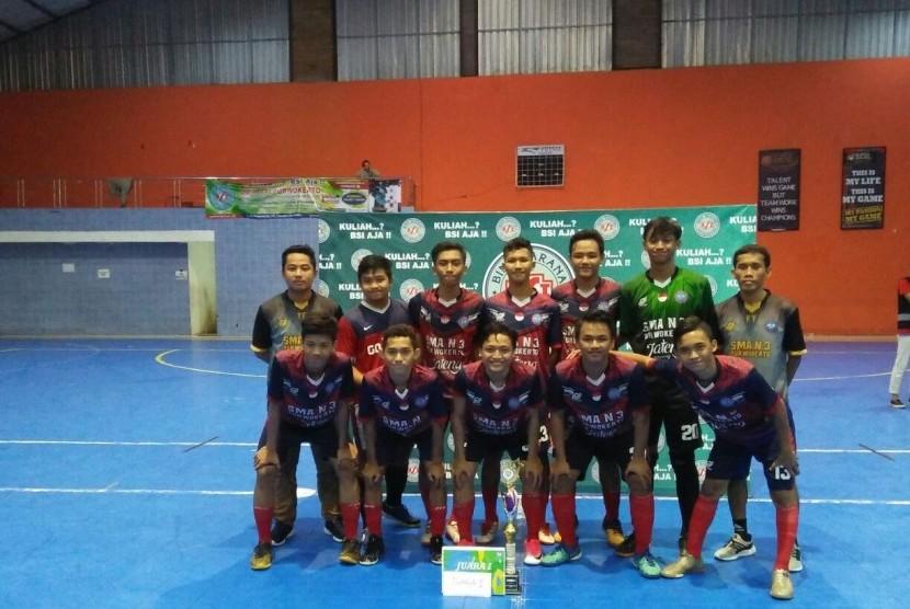 Juara turnamen BSI Futsal Cup 2017 AMIK BSI Purwokerto..