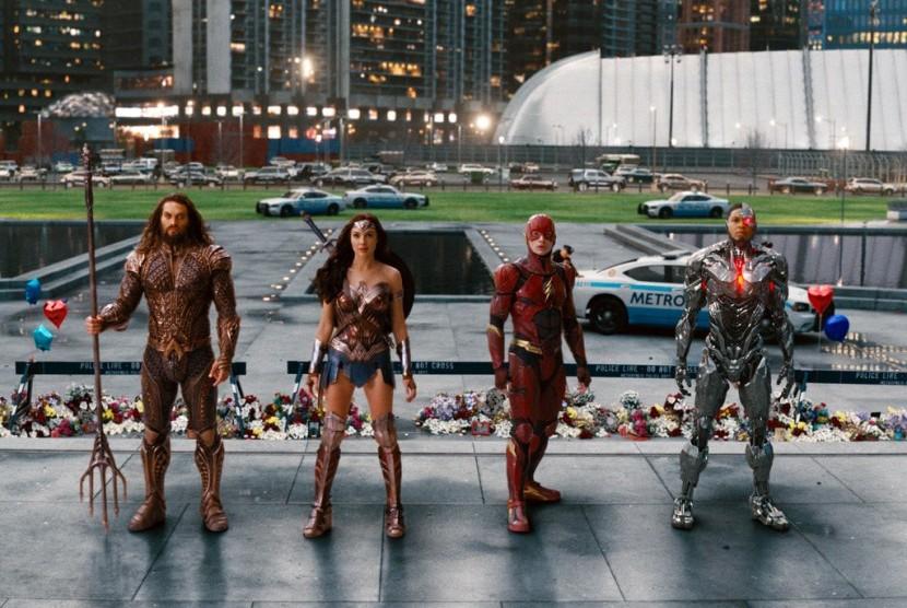 Justice League, Ketika Para Pahlawan Super Bersatu
