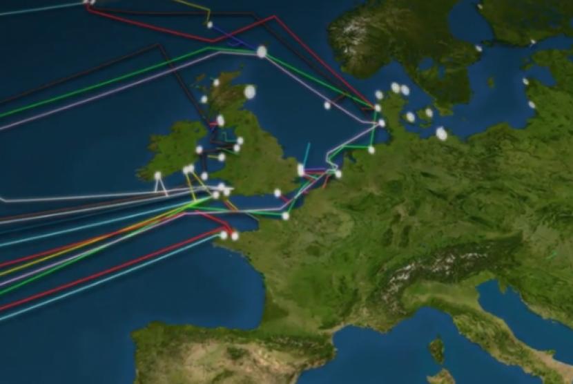 Kabel yang menghubungkan jaringan internet seluruh dunia.