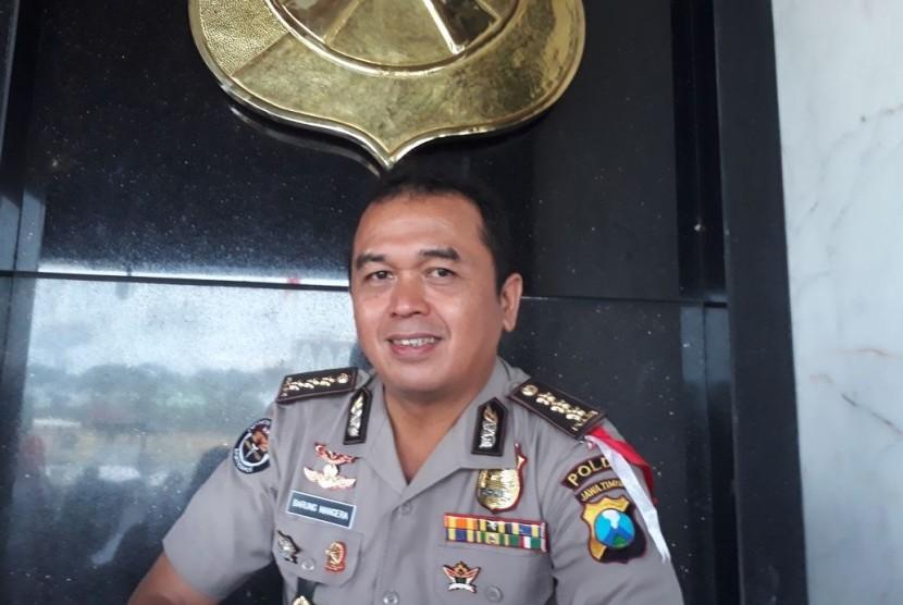 Kabid Humas Polda Jatim Kombes Frans Barung Mangera.