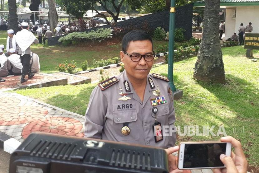 Kadiv Humas Polda Metro Jaya, Kombes Pol Raden Prabowo Argo Yuwono saat ditemui di pengamanan aksi tolak Perppu Ormas di Komplek Parlemen Senayan, Selasa (24/10).