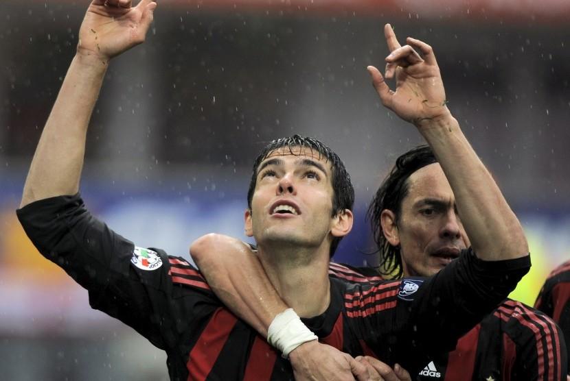 Kaka ketika melakukan selebrasi setelah mencetak gol untuk AC Milan pada pertandingan kontra Palermo, 26 April 2009.