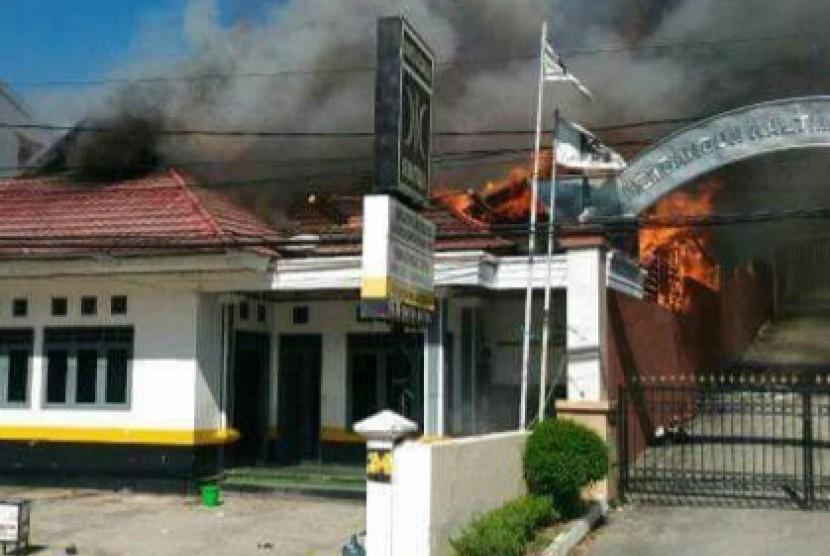 Kantor DPW PKS Kaltim Terbakar