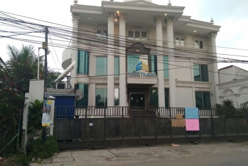 Aset First Travel Berupa Tujuh Bangunan Disita Polisi