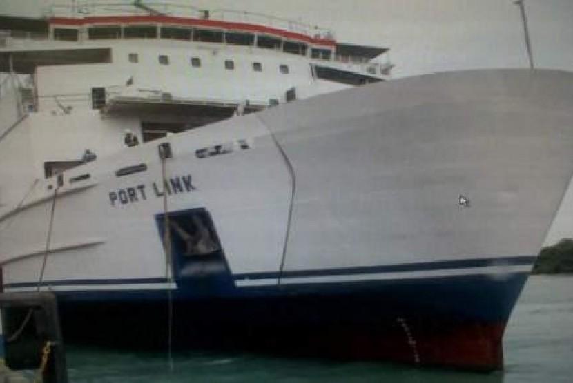 Kapal KMP Portlink yang dioperasikan oleh PT ASDP Indonesia Ferry (Persero)