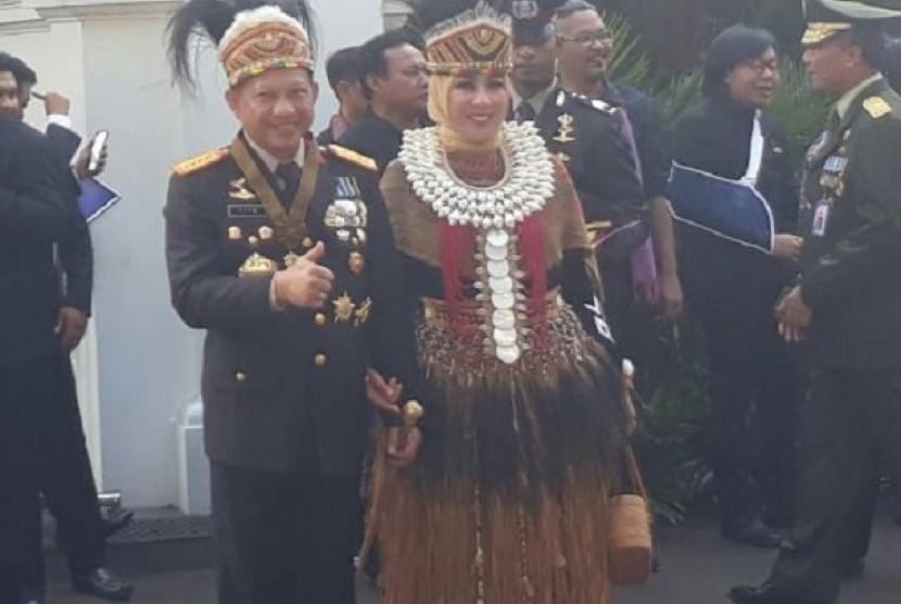 Kapolri Jenderal Tito Karnavian dan Istri mengikuti upacara peringatan HUT RI di Istana Merdeka