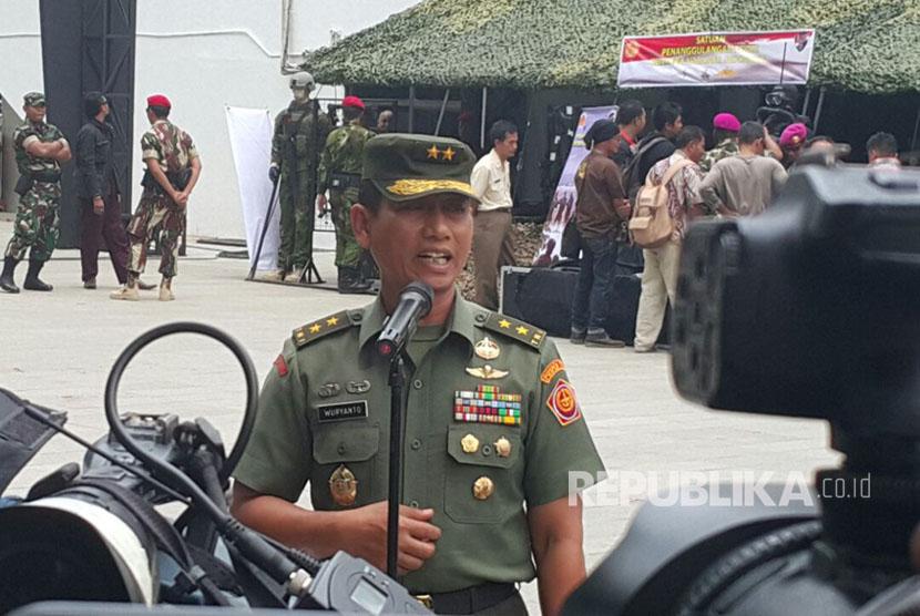 Kapuspen TNI Mayjen TNI Wuryanto, S.Sos., M.Si menggelar jumpa pers dengan media massa di Taman Ismail Marzuki, Jalan Cikini Raya No. 73, Jakarta Pusat, Selasa (10/10).