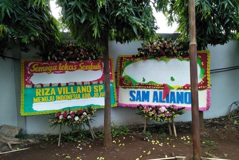 Perusak Karangan Bunga Setnov Dicari, Rp 1 Miliar Menanti