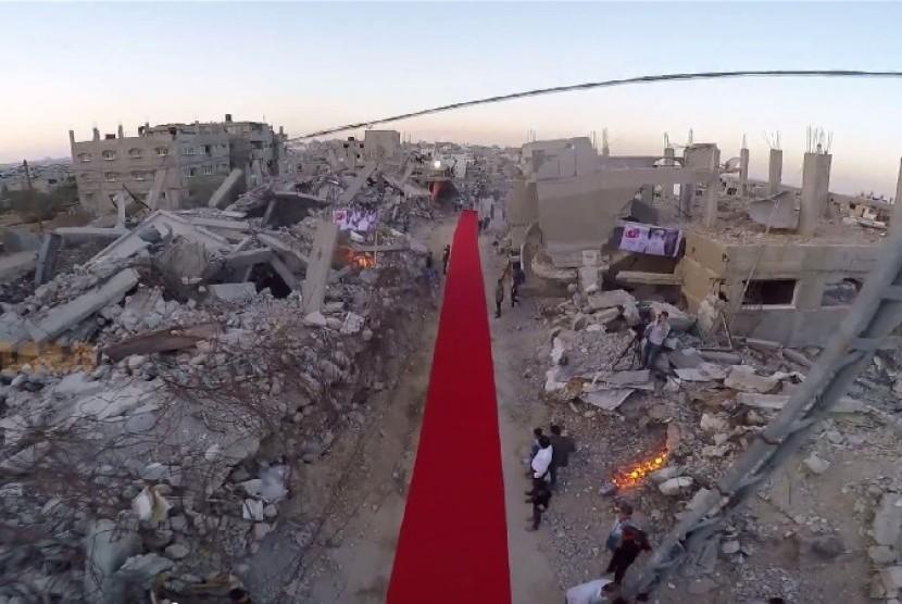 Karpet Merah Digelar di Tengah Reruntuhan Bangunan Kota Gaza