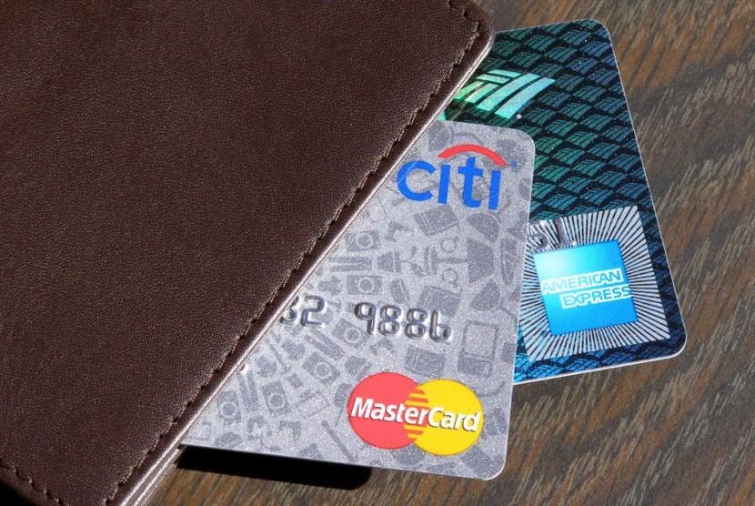 Bolehkah Utang Kartu Kredit Saat Sedang Mencicil Rumah?