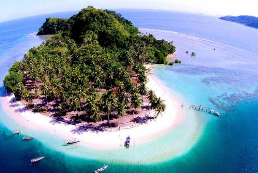 Kawasan wisata Mandeh, salah satu destinasi indah di Pesisir Selatan, Sumatra Barat