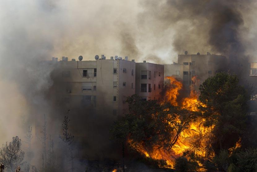 Hasil gambar untuk kebakaran Israel