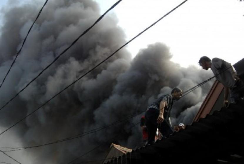Kebakaran di Pelabuhan Ratu Rusak Delapan Rumah