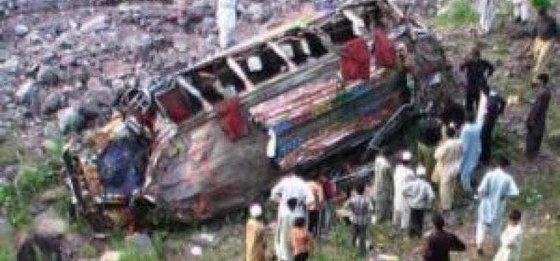 Kecelakaan, bus masuk jurang (ilustrasi)