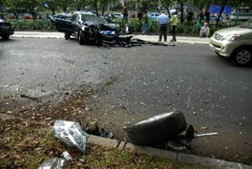 Motor Tabrak Tanki BBM di Purwakarta, Satu Pengendara Tewas