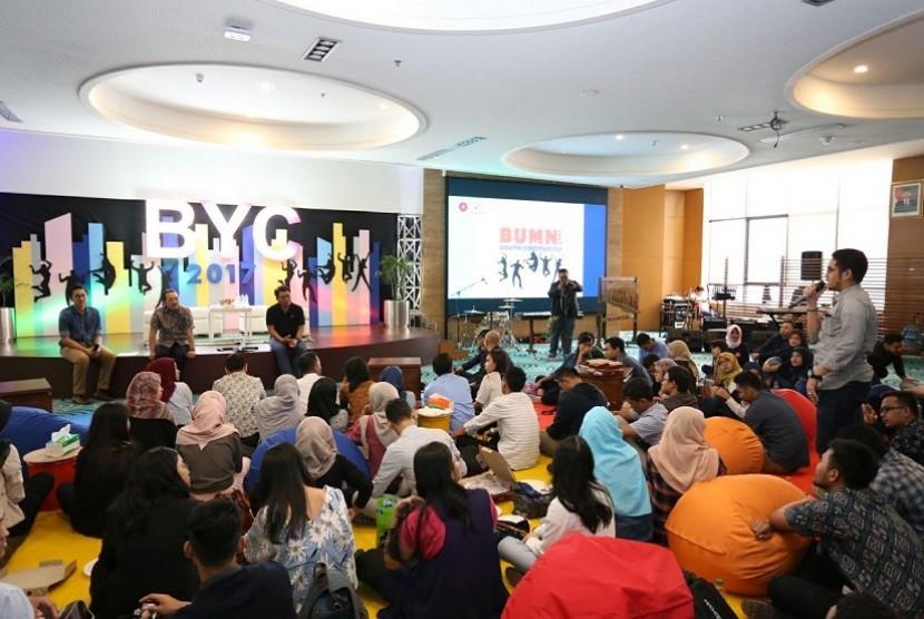 Kegiatan BUMN Youth Community (BYC) di kantor pusat Pertamina, Jakarta, Sabtu (15/7).
