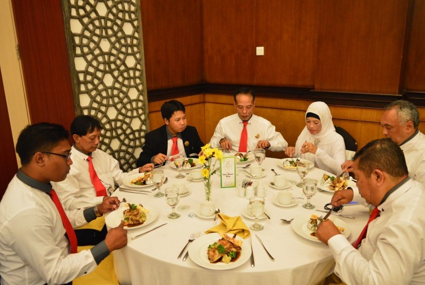 Kegiatan table manner.