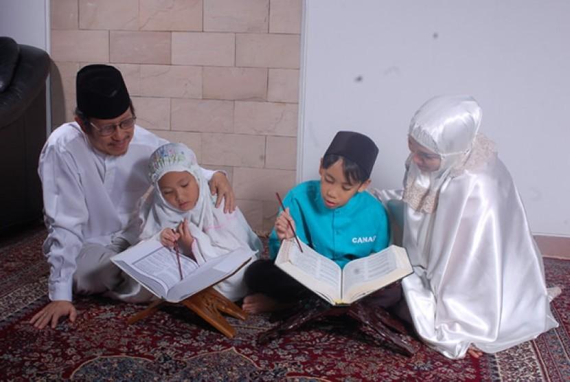 Keluarga mengaji (Ilustrasi)