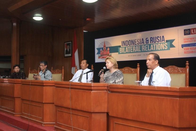 Kepala Bidang Ekonomi Kedutaan Besar Rusia untuk Indonesia, Veronika Novoseltseva, saat menyampaikan materi