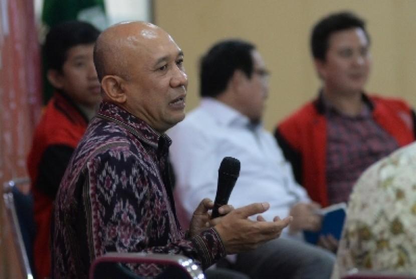 Kepala Staf Presiden Teten Masduki (kiri).