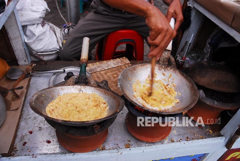 Permalink to Kerak Telor Jadi Kuliner Favorit di Lokasi Wisata