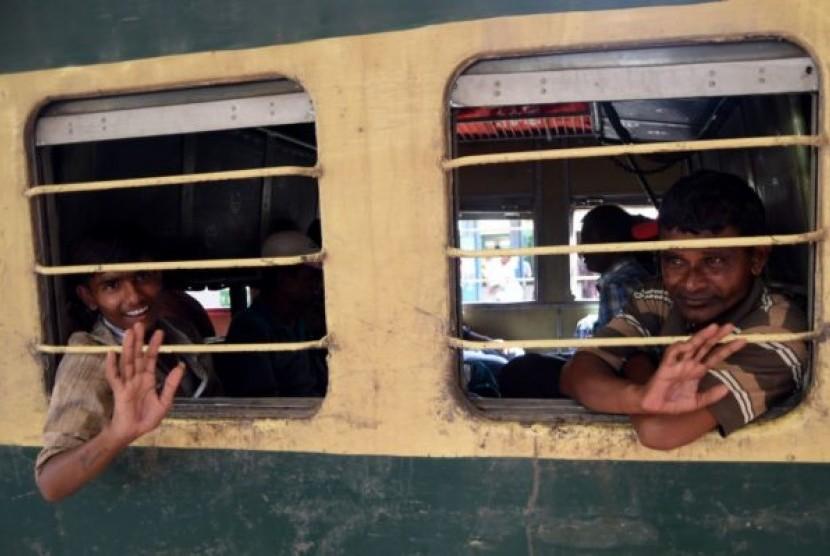 Kereta api di India