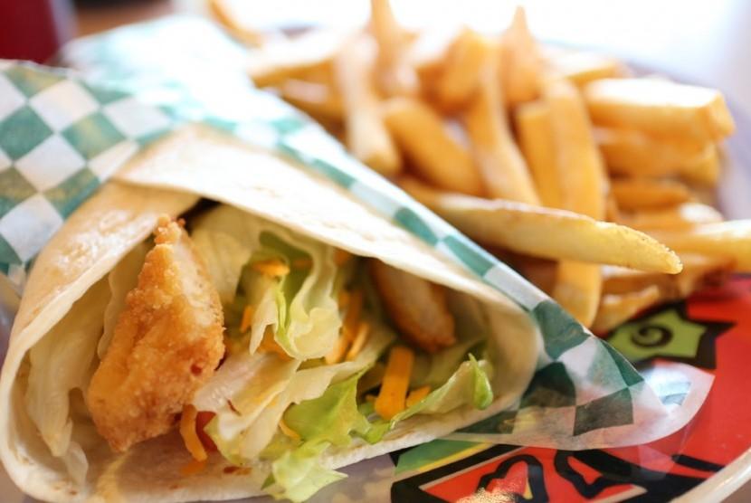 Kertas pembungkus makanan harus diwaspadai karena bisa mengandung senyawa penyebab kanker.