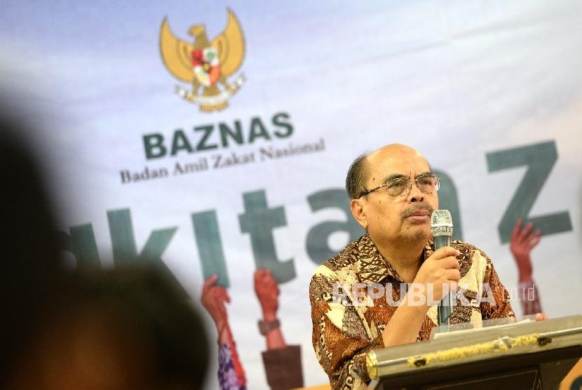 Ketua BAZNAS Bambang Sudibyo memberikan paparan program BAZNAS sambut Ramadhan 1438 H di Jakarta, Kamis (18/5).